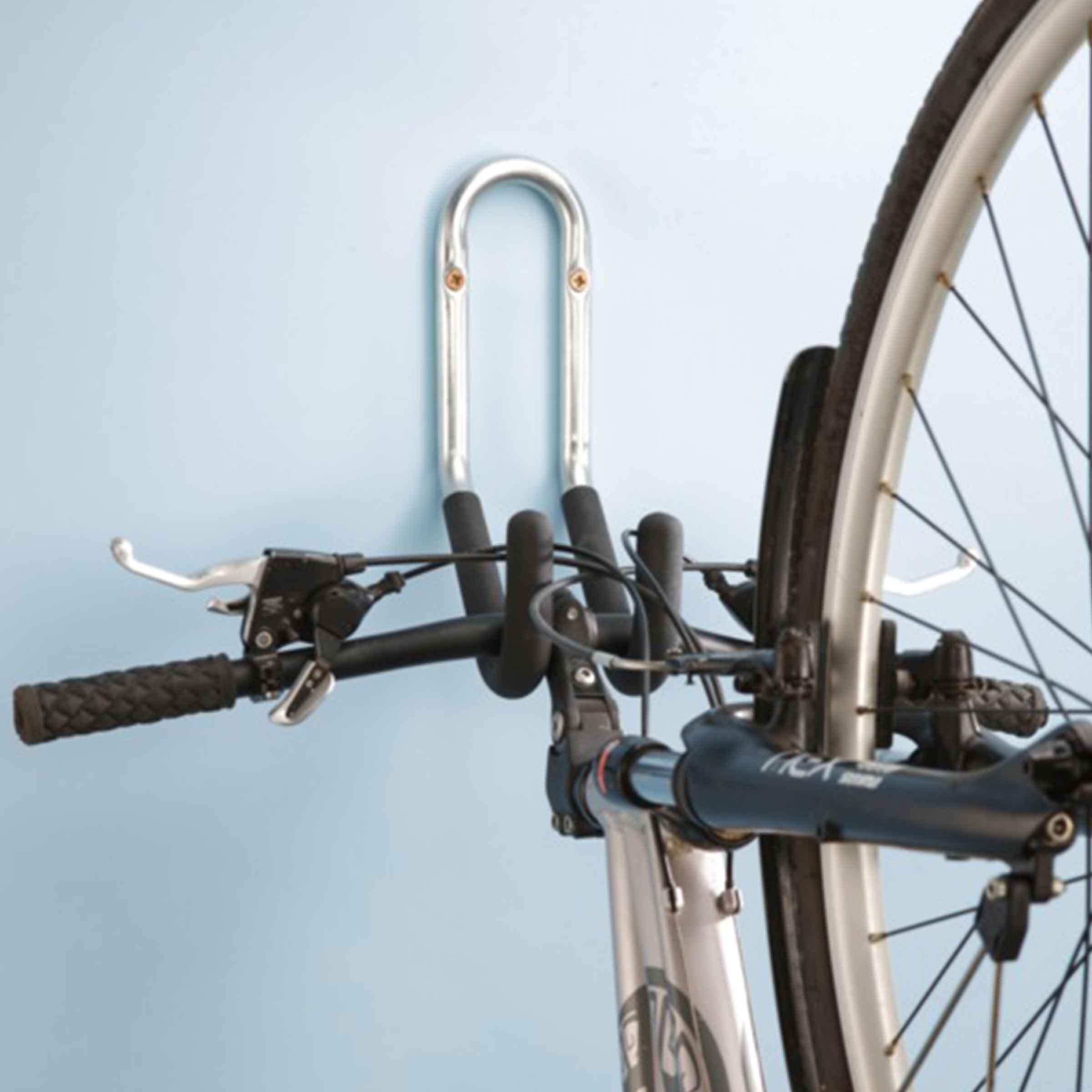Crochet en tube zingué avec mousse de protection pour suspendre les vélos