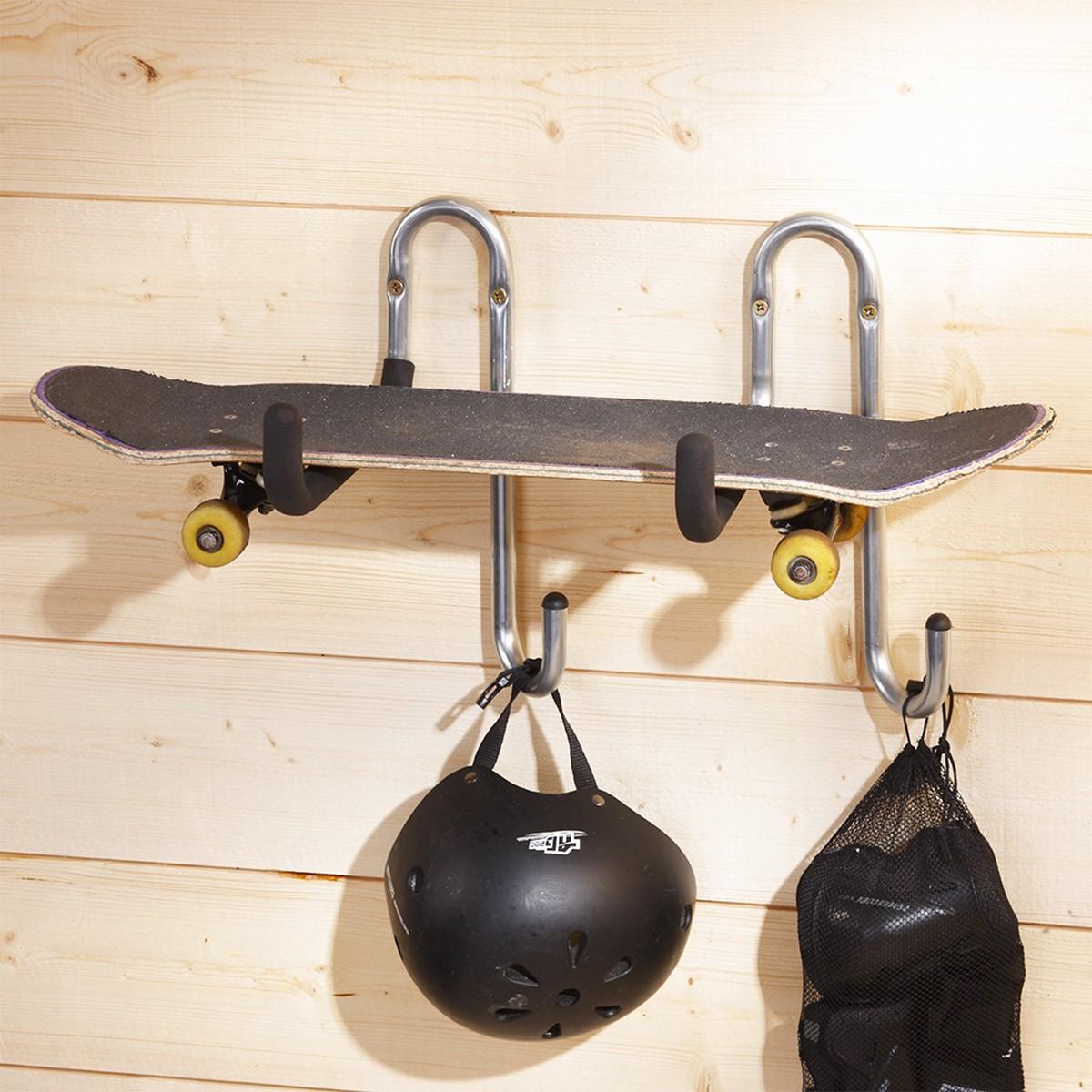 Crochet métallique pour suspendre skateboard et matériel de sport